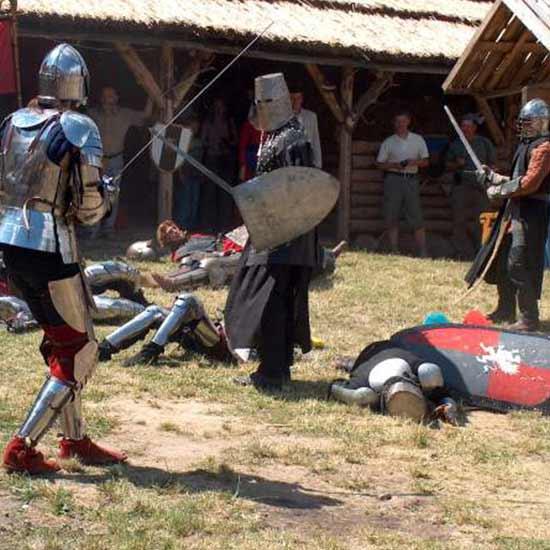 Turnieje rycerskie, zjazdy zakonów, inscenizacje bitew